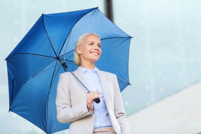 vrouwelijke ondernemer met paraplu